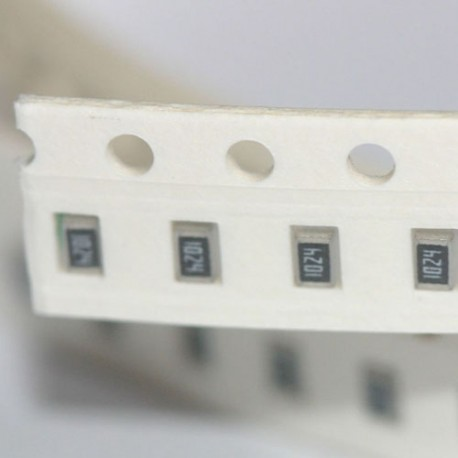 SMD resistor 8,2 Ohm 1/% 0,125 W Design 0805 Belt